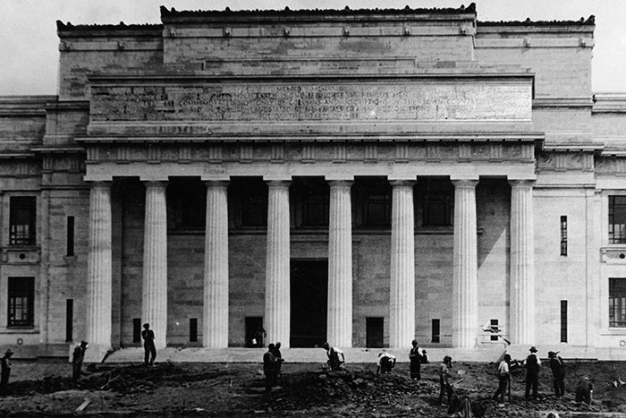 The northern face of Auckland War Memorial Museum during its construction in the 1920s. Part of Pericles\u0027 Oration is inscribed on stonework above the colonnade.