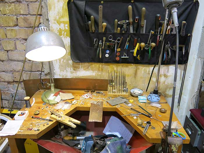 The workbench of Anna Wallis.