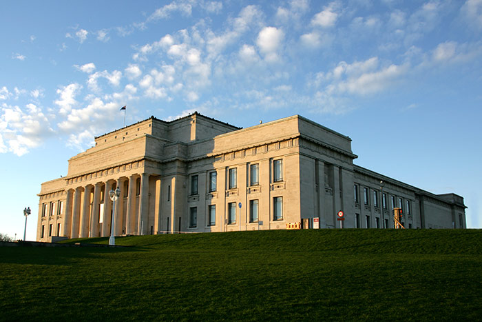Auckland Museum viewed from the Domain.