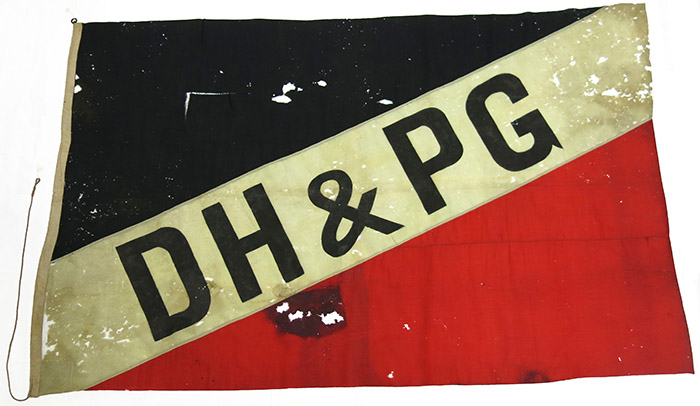 House flag of Deutsche Handel und Plantation Gesellschaft. Flown in Samoa until its occupation by New Zealand Forces in 1914.