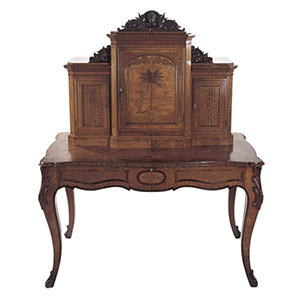Writing Desk, 1860s. Anton Seuffert (1815-1887), carvings by Anton Teutenberg (1840-1933). Made in Auckland City.